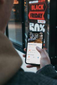 Social media boosts online sales